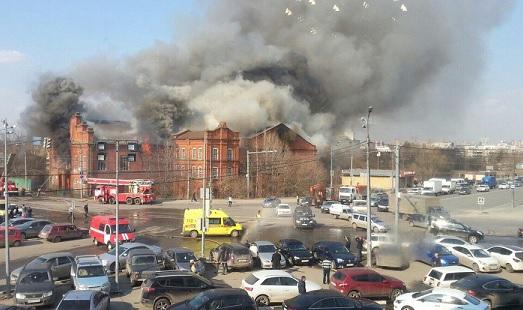 казань площадь вахитова горит пожар