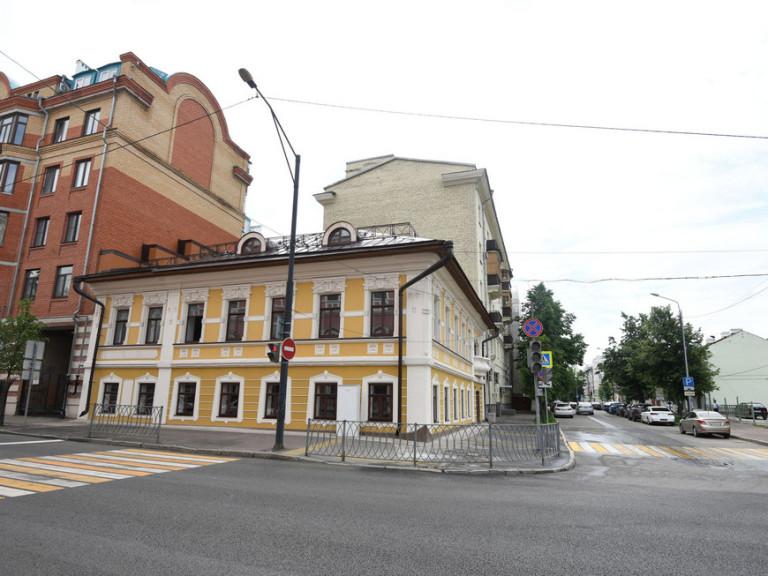 дом амирхана
