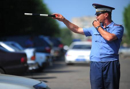 Сотрудников ГИБДД оштрафовали за езду без ремня безопасности