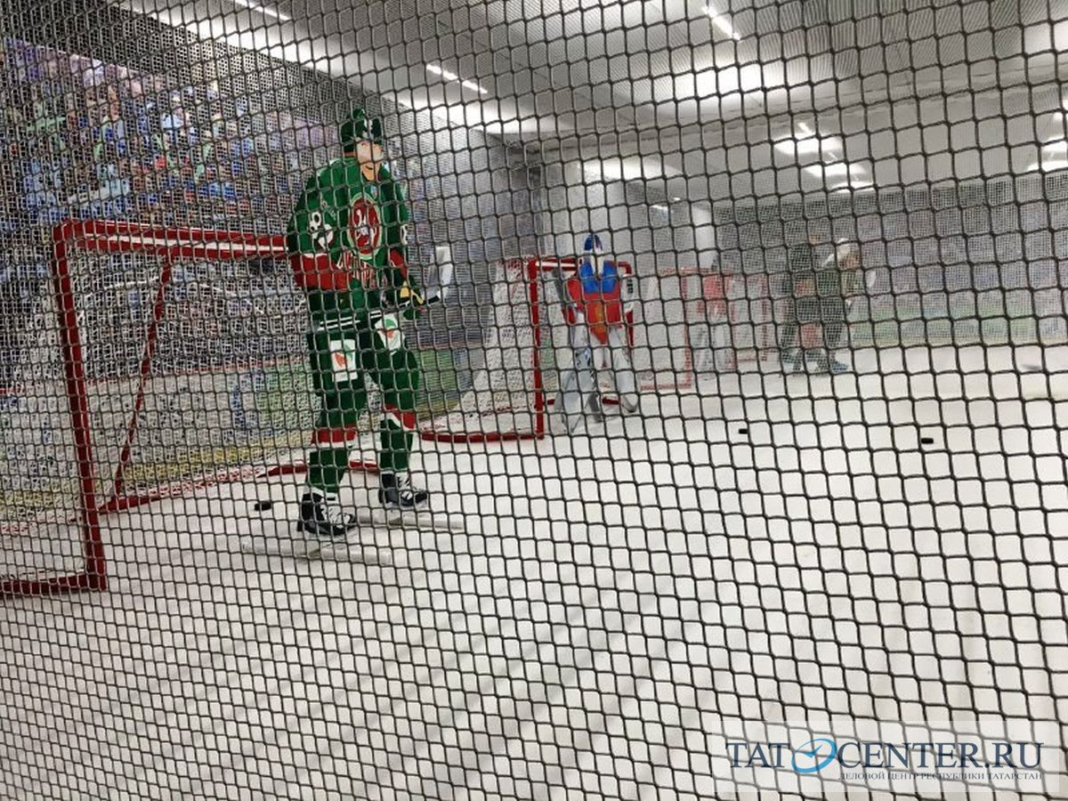 данис зарипов ак барс хоккей