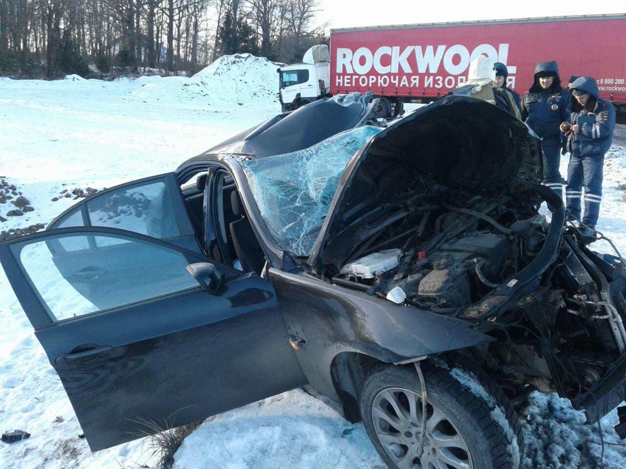 ВТатарстане натрассе БМВ вылетел навстречку, шофёр умер