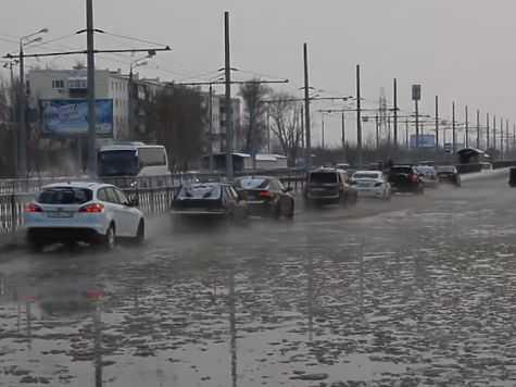 затопило третье транспортное кольцо Казани