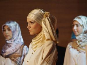международный фестиваль мусульманской одежды ДУМ РТ лучший дизайнер года коллекции закрытых купальных костюмов показ в Казани новости казани