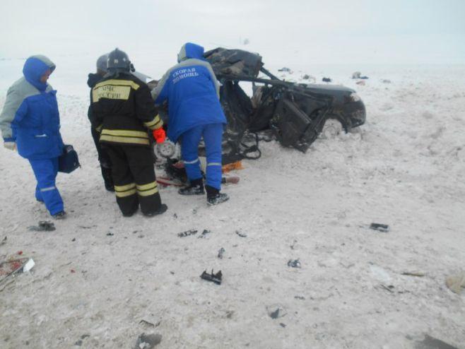 ВТатарстане легковушка врезалась в грузовой автомобиль: погибли два человека