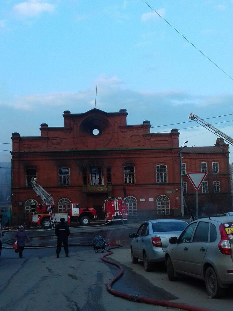 казань пожар горит завод крестовниковых