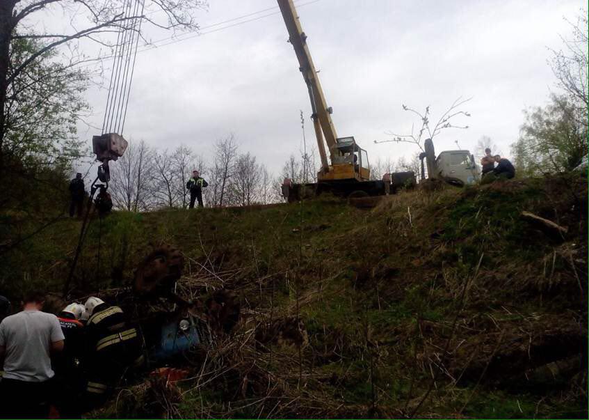 ВТатарстане трактор под управлением нетрезвого водителя упал вкювет