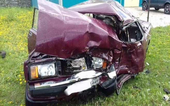 ВТатарстане при лобовом столкновении 2-х машин погибли 70-летние супруги