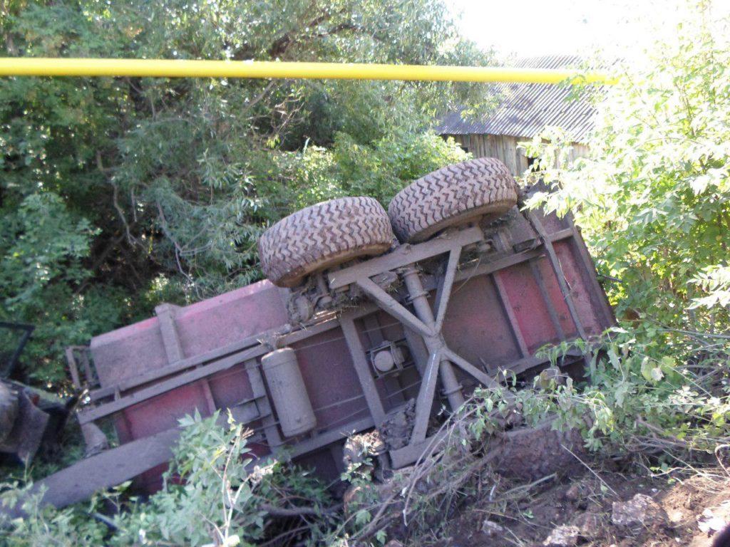 ВТатарстане трактор перевернулся вкювет: умер пассажир