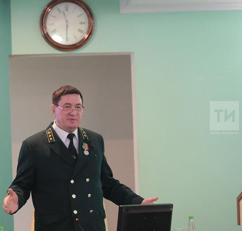 Алмас Назиров