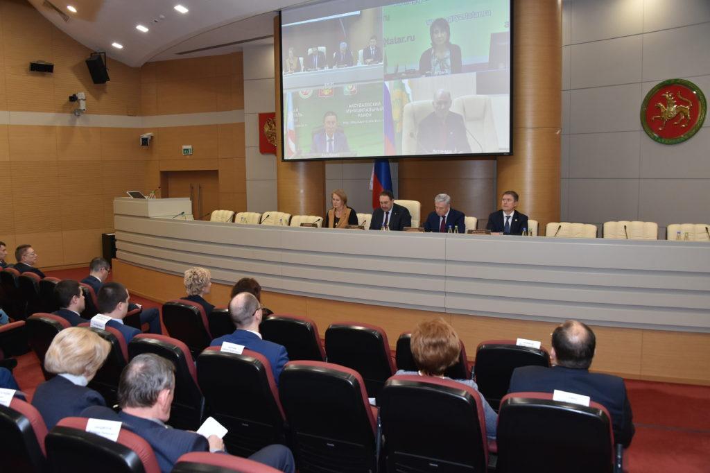 ВТатарстане подписали соглашение оминимальной заработной плате