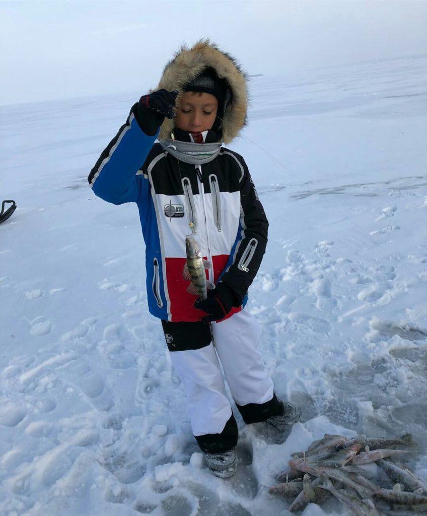 Рустам Минниханов вместе с сыном побывал на подлёдной рыбалке