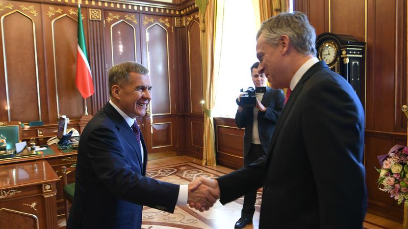 минниханов и посол сша в россии