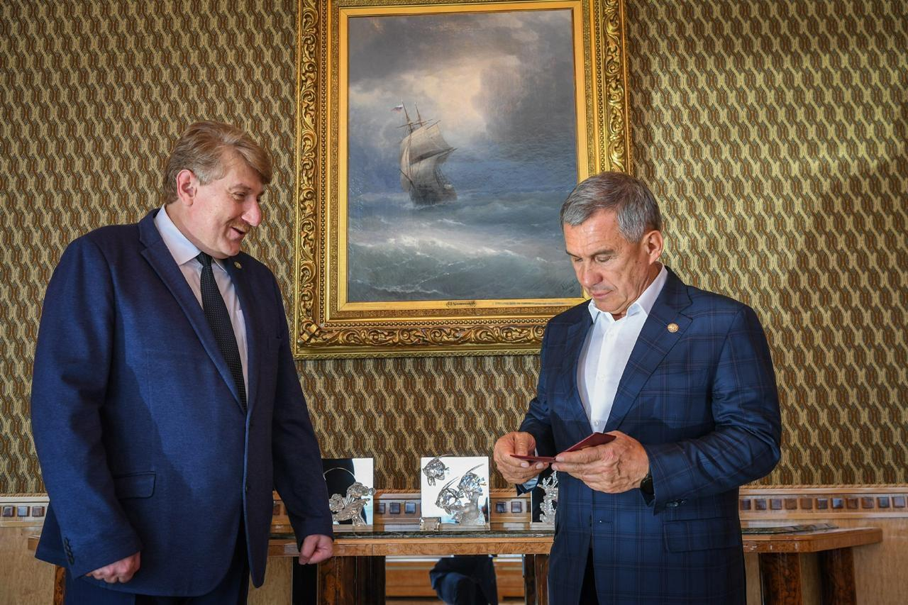 минниханов удостоверение президента